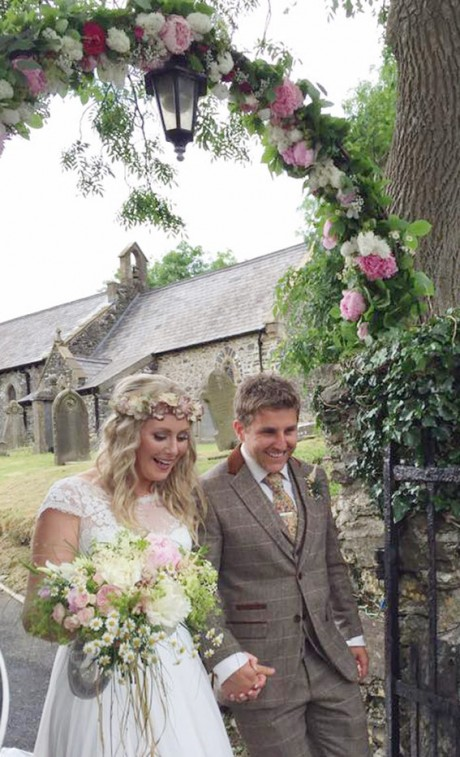 pembrokeshire wedding flowers